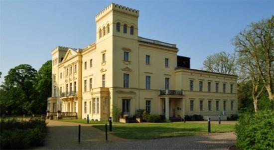 Schloss Steinhöfel nach seiner Sanierung 2009